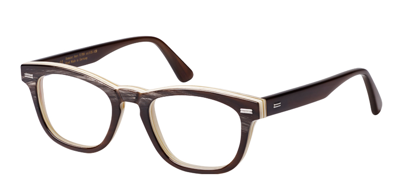 Flynn::Morgenthal Frederics Buffalo Horn Collection.<br />Small square featuring a key-hole bridge, handcrafted in Germany from genuine buffalo horn with metal details.<br />Brown on crème.